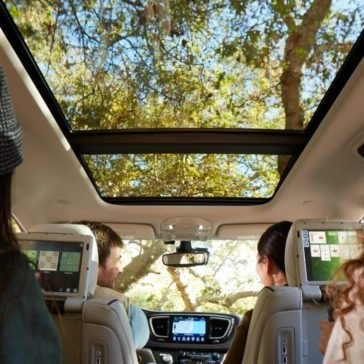 Family riding in a 2017 Chrysler Pacifica
