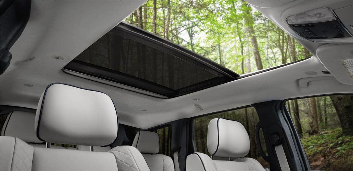 Interior views of the panoramic roof in a 2018 Jeep Grand Cherokee