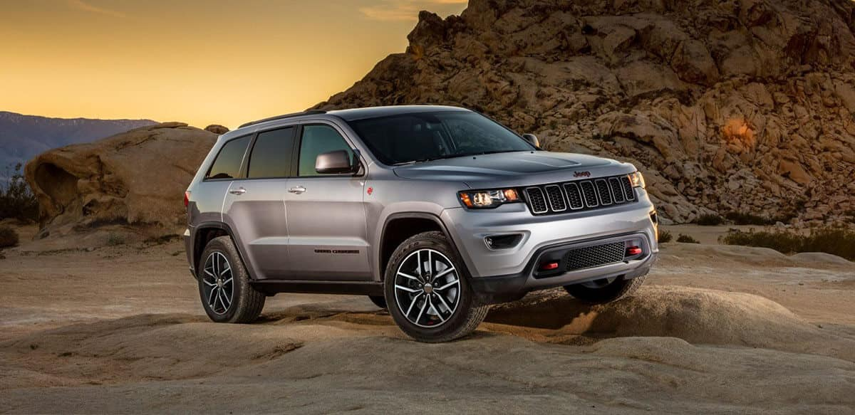2018 Jeep Grand Cherokee off roading
