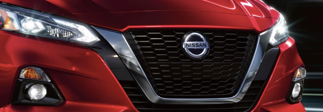 closeup of 2019 nissan altima grille