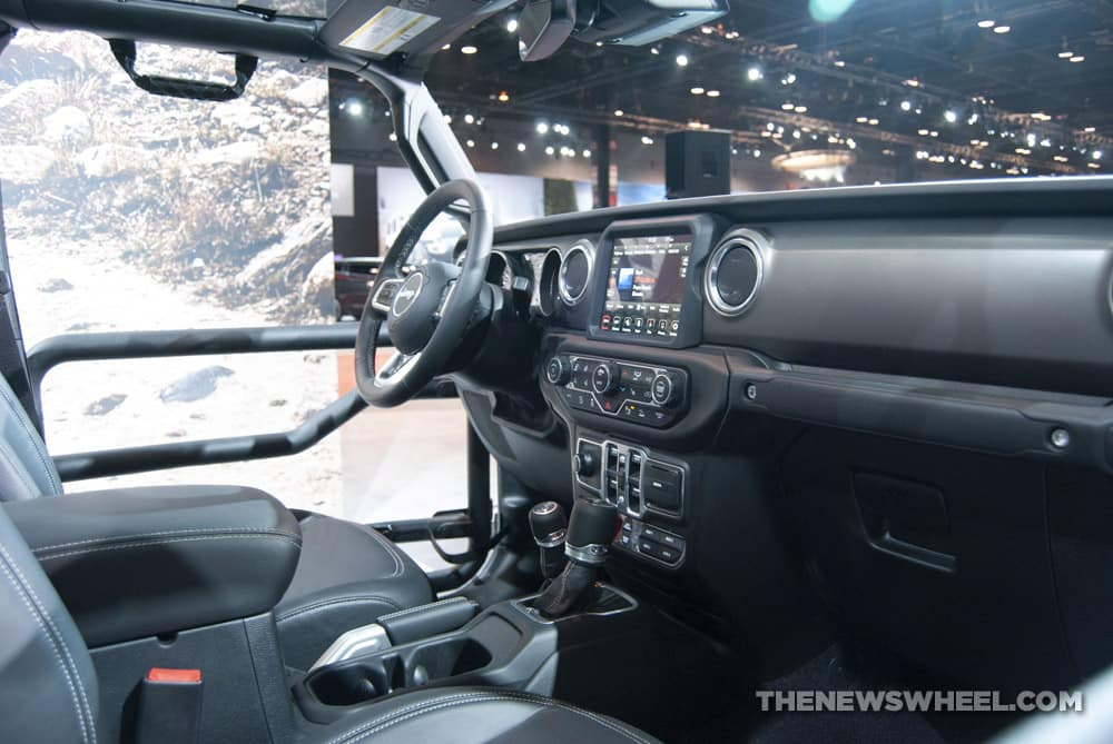 Top Rated Car Seats 2020.2020 Jeep Gladiator Named To Wards 2019 10 Best Interiors List