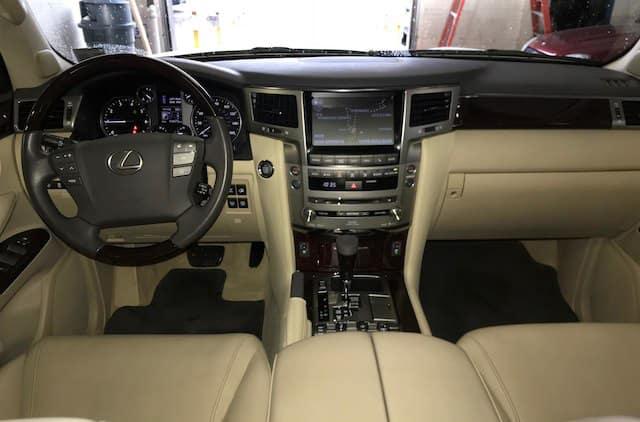 Used Lexus LX Dash