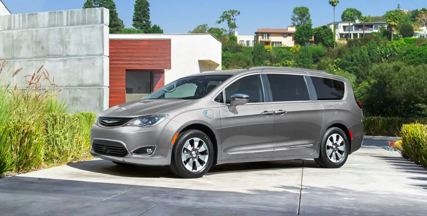 2019 Chrysler Pacifica vs Honda Odyssey: Exterior Chicago IL