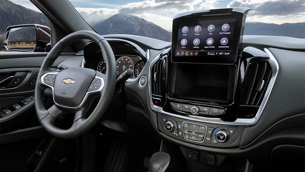 2022 Chevy Traverse dashboard with extended infotainment system