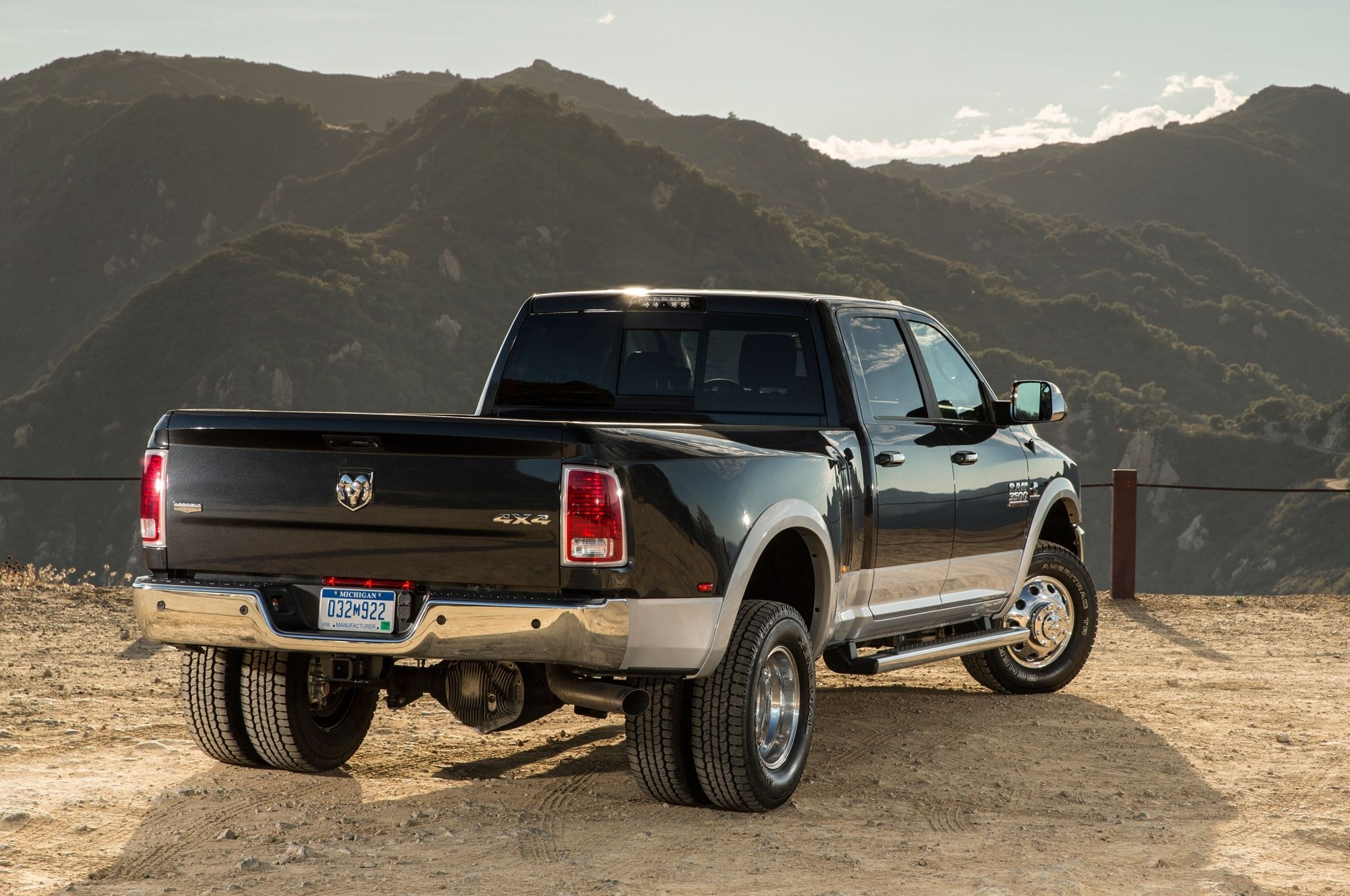Dually Truck vs  Non-Dually Truck - Pros and Cons of Each